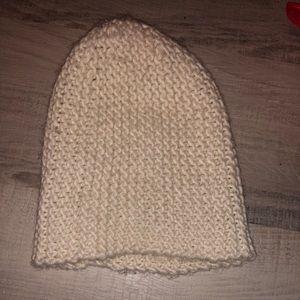 HM white knit beanie!
